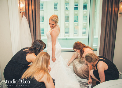 Bride Getting ready for her wedding at a Downtown Toronto Hotel, Studio60 Photography